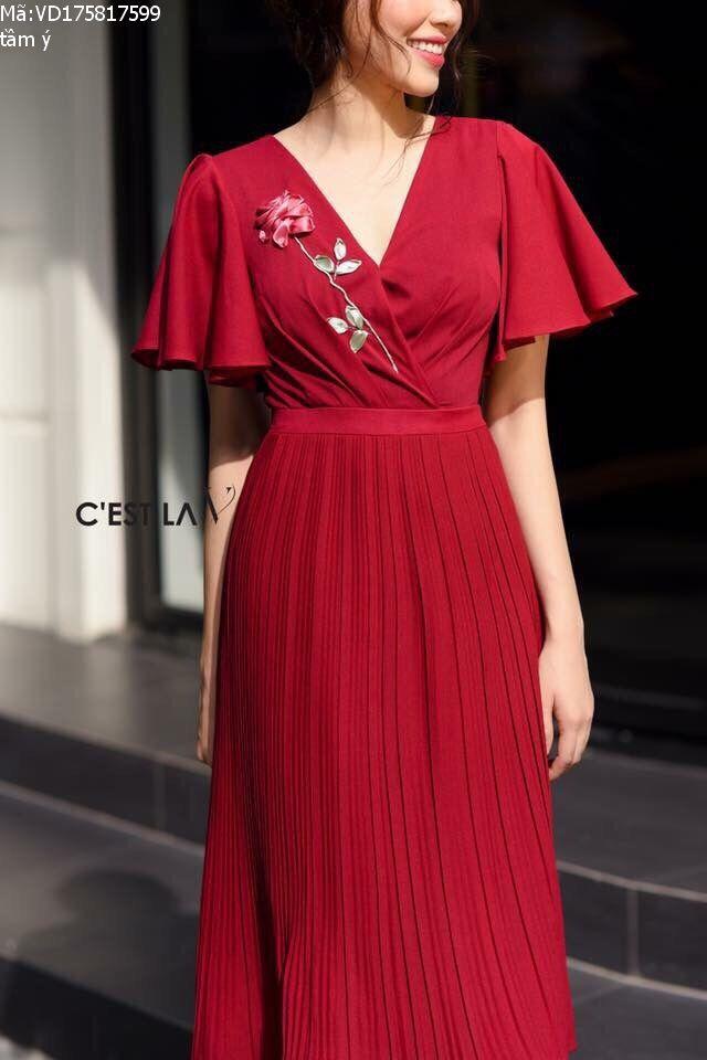 Đầm lụa tuyết màu đỏ thêu hoa